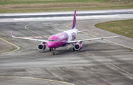 HA-LYN - Wizz Air Airbus A320 aircraft