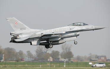 4042 - Poland - Air Force Lockheed Martin F-16C Jastrząb