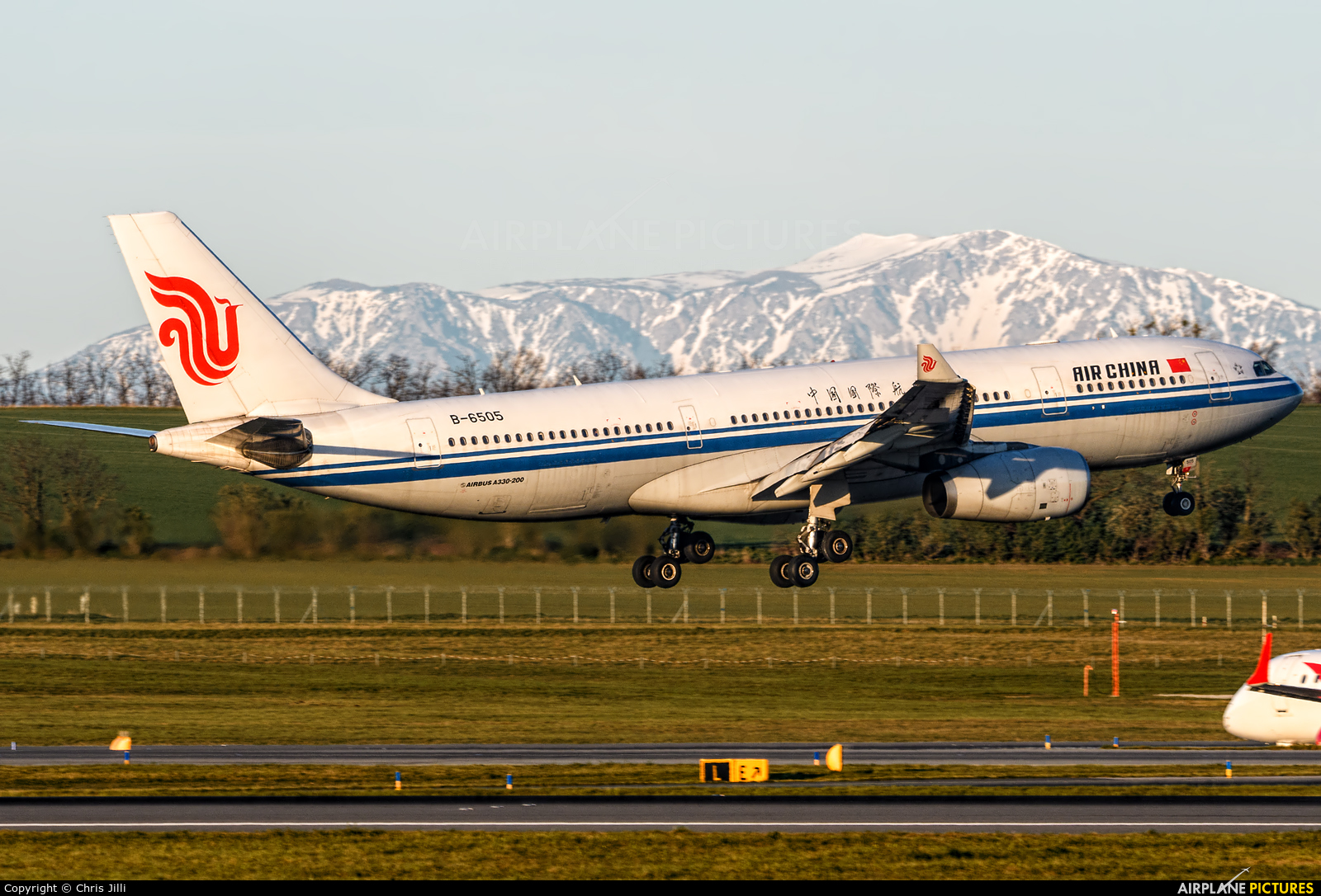 Air China B-6505 aircraft at Vienna - Schwechat