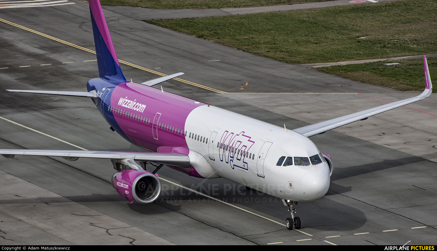 Wizz Air HA-LXE aircraft at Katowice - Pyrzowice