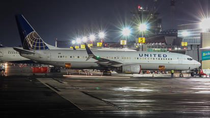 N73259 - United Airlines Boeing 737-800