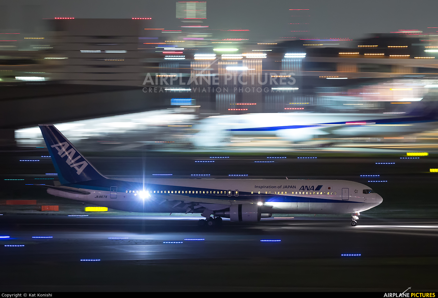 ANA - All Nippon Airways JA8674 aircraft at Tokyo - Haneda Intl