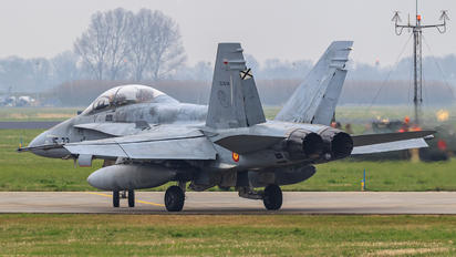 CE.15-09 - Spain - Air Force McDonnell Douglas EF-18B Hornet