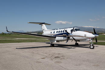D-CEER - Private Beechcraft 250 King Air