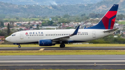 N301DQ - Delta Air Lines Boeing 737-700