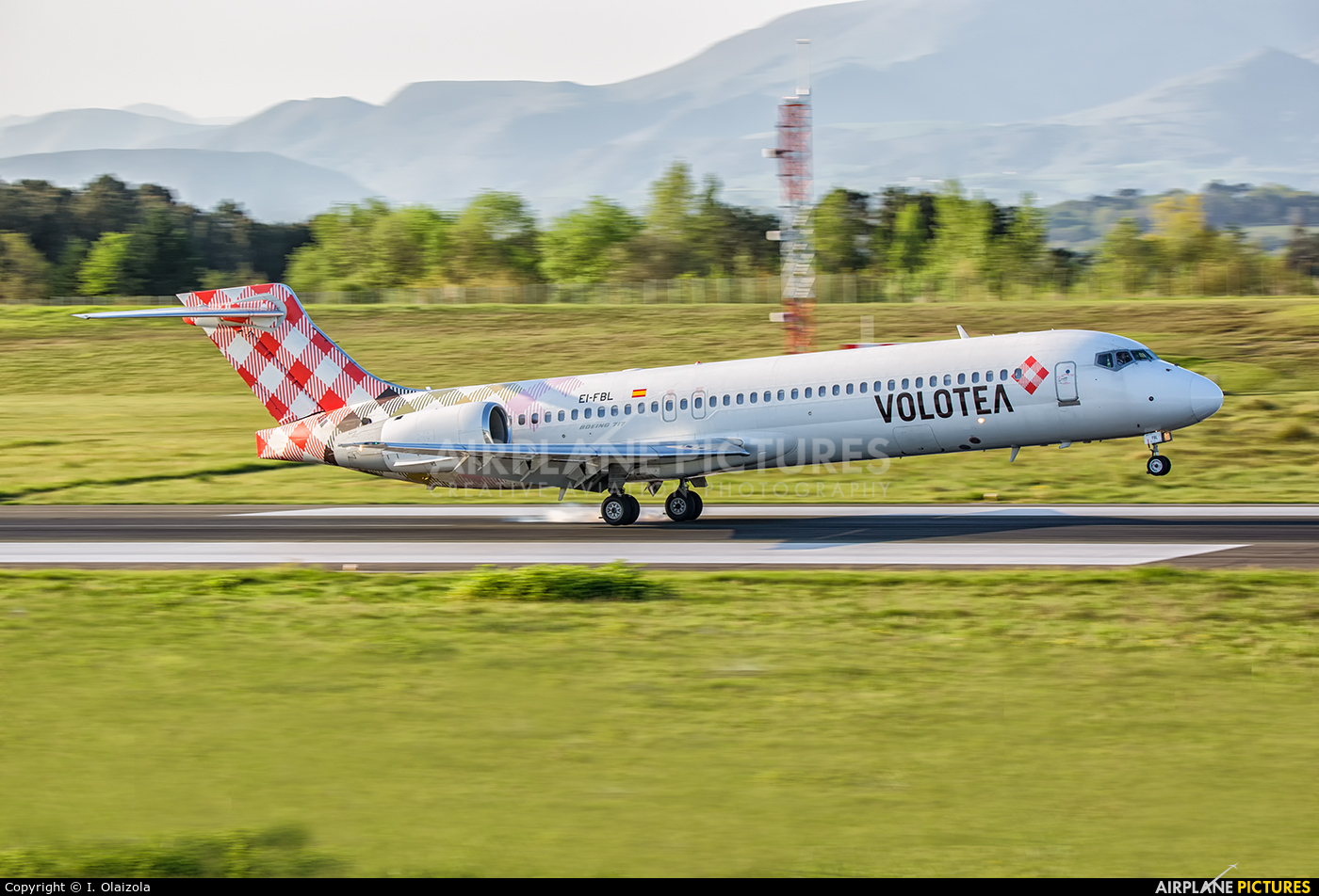 Volotea Airlines EI-FBL aircraft at Biarritz