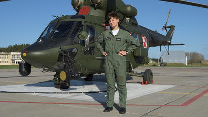 - - Poland - Air Force - Airport Overview - Military Personnel