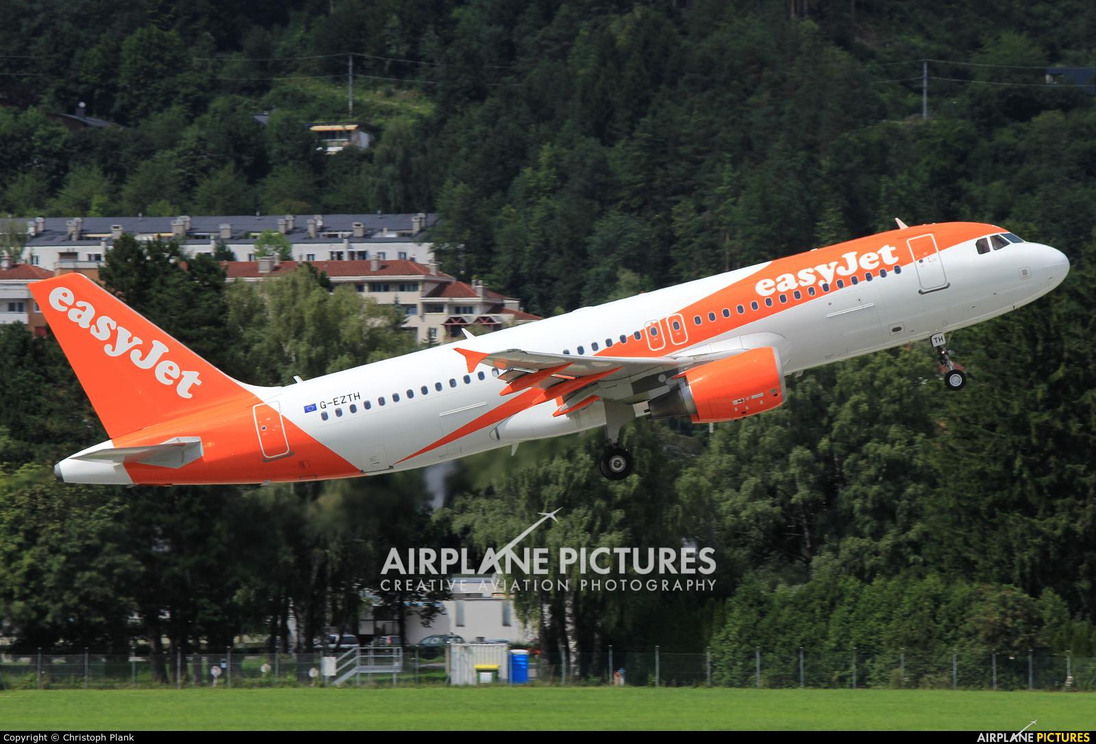 easyJet G-EZTH aircraft at Innsbruck