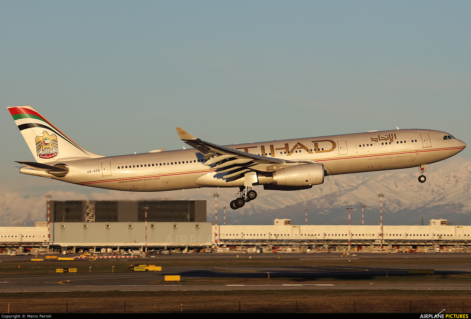 Etihad Airways A6-AFD aircraft at Milan - Malpensa