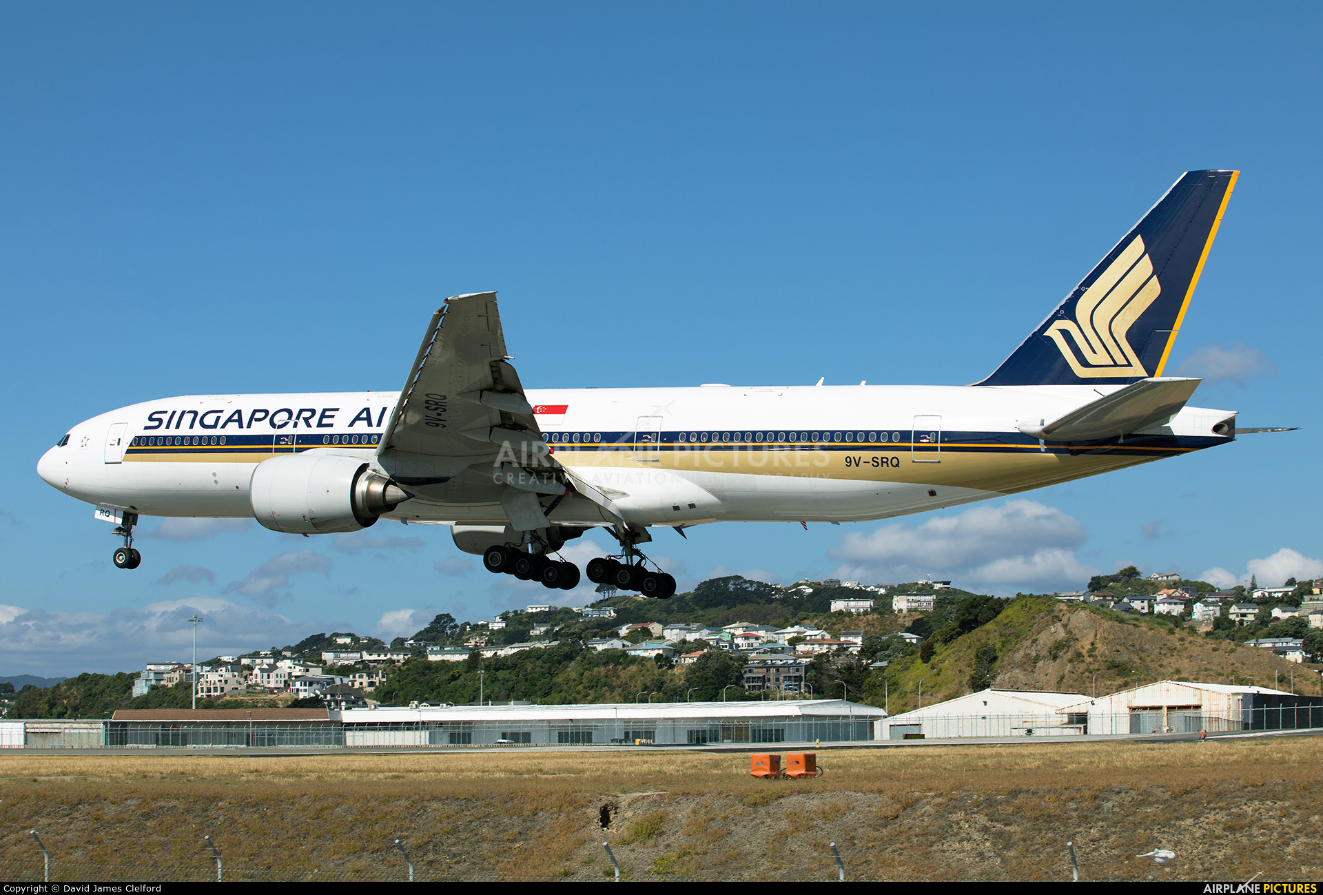 Singapore Airlines 9V-SRQ aircraft at Wellington Intl