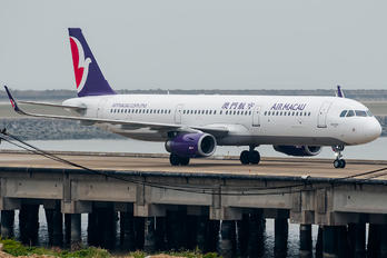 B-MCC - Air Macau Airbus A321