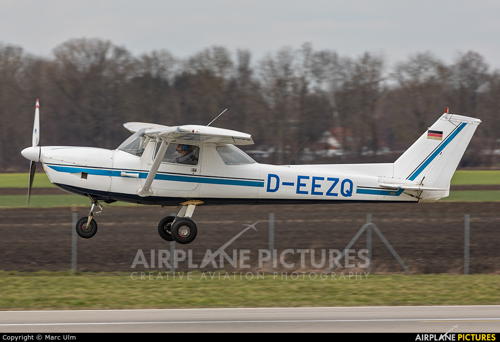 Private D-EEZQ aircraft at Augsburg