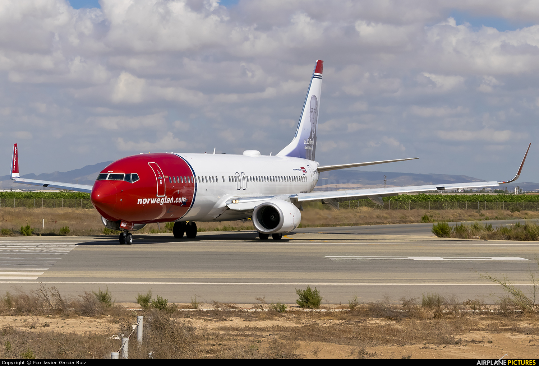 LN-NGF - Norwegian Air Shuttle Boeing 737-800 at Murcia