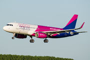 HA-LYX - Wizz Air Airbus A320 aircraft