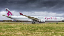 A7-AEM - Qatar Airways Airbus A330-300 aircraft