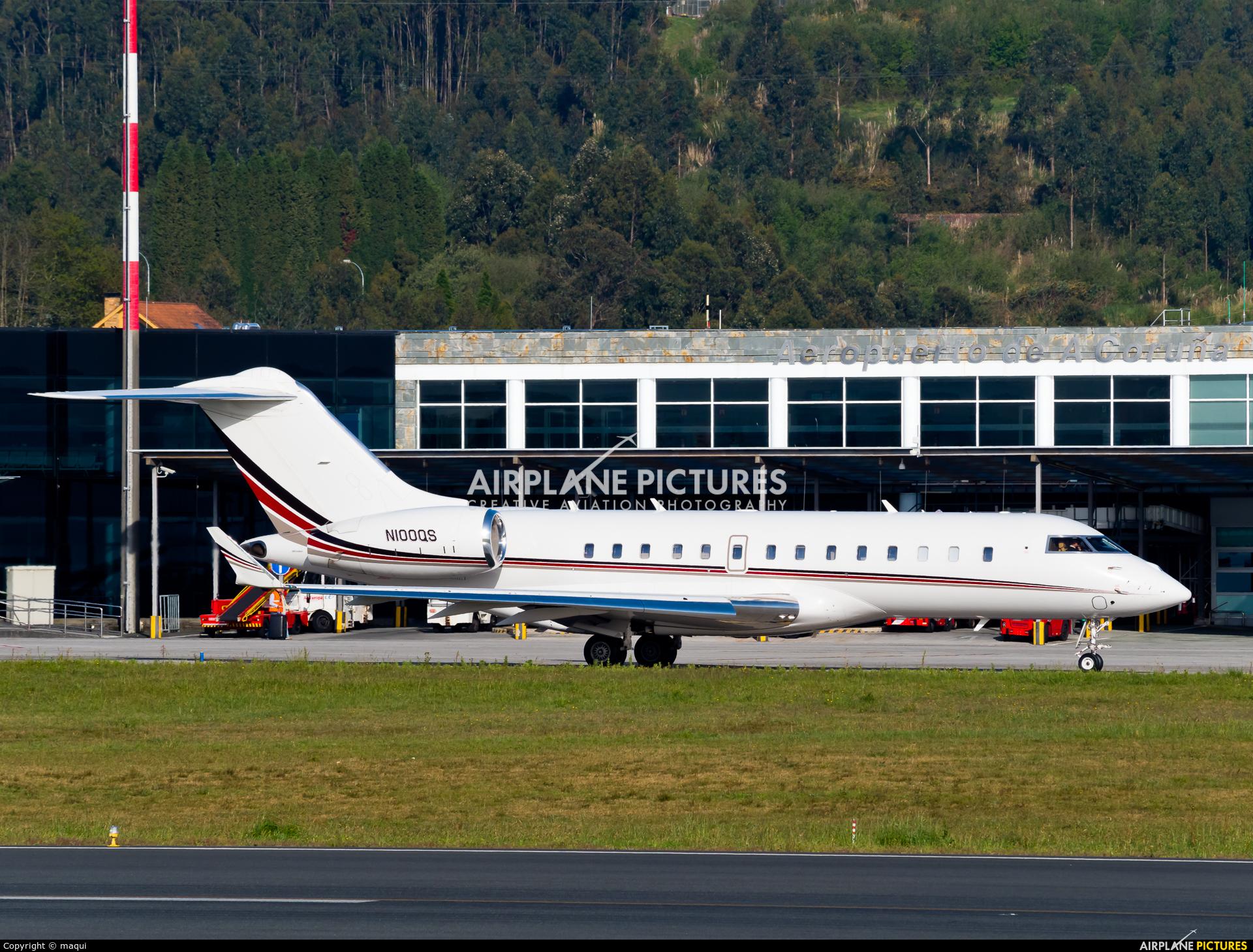 Netjets (USA) N100QS aircraft at La Coruña