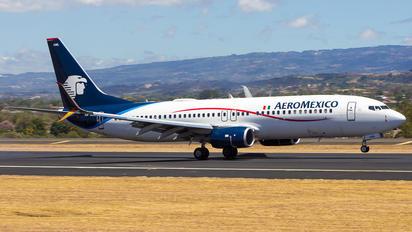 XA-AML - Aeromexico Boeing 737-800