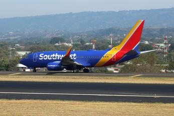 N7722B - Southwest Airlines Boeing 737-700