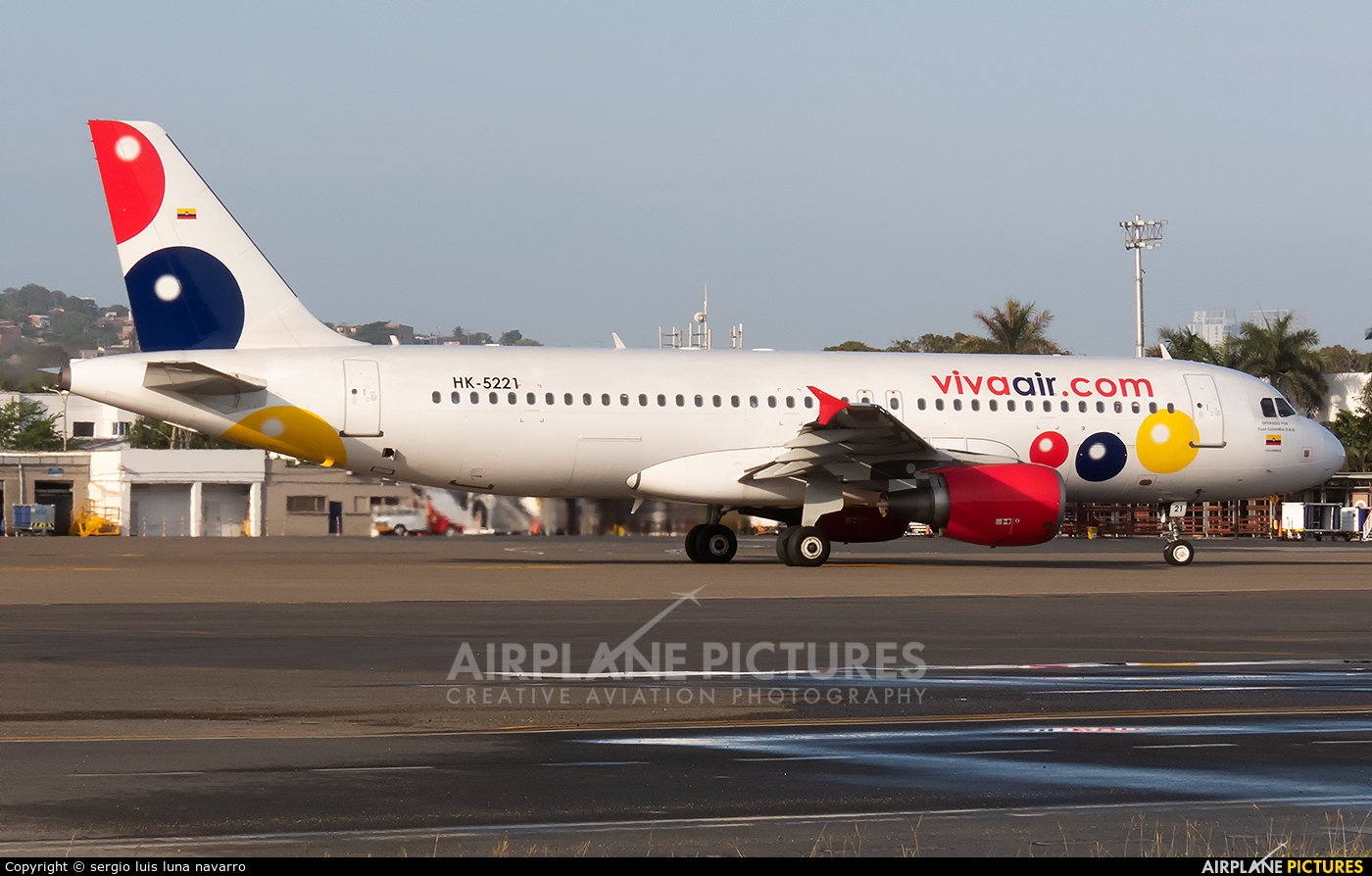 Viva Air HK-5221 aircraft at Cartagena - Rafael Núñez