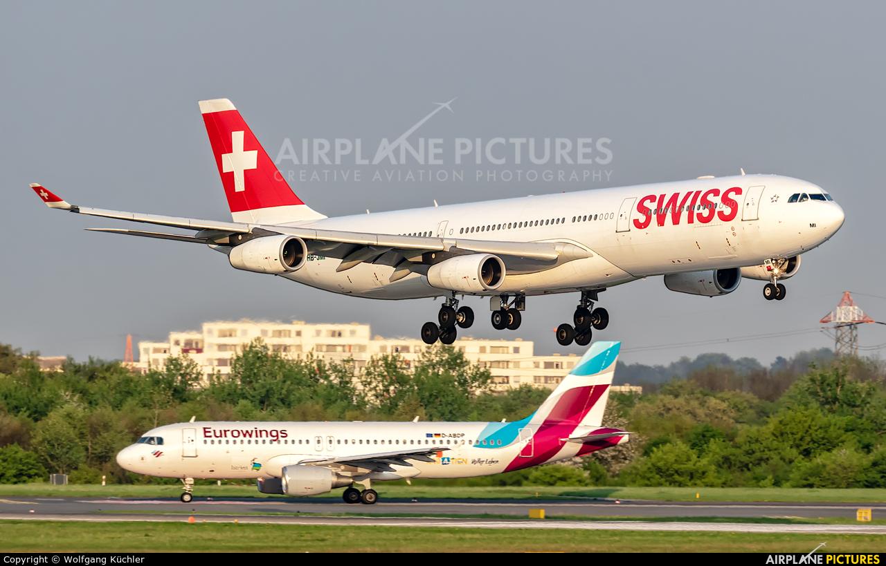 Swiss HB-JMI aircraft at Düsseldorf