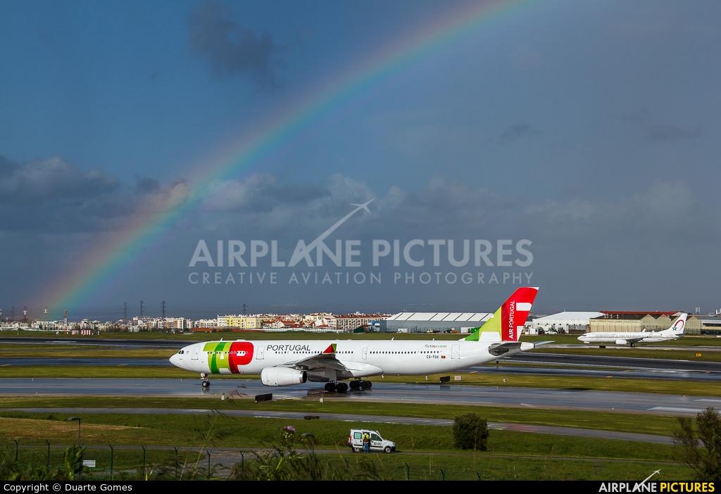TAP Portugal CS-TOX aircraft at Lisbon