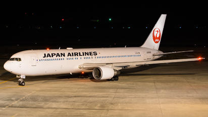 JA8986 - JAL - Japan Airlines Boeing 767-300