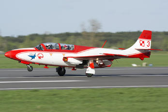 3 - Poland - Air Force: White & Red Iskras PZL TS-11 Iskra