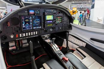 D-EQTB - Private Aquila A212