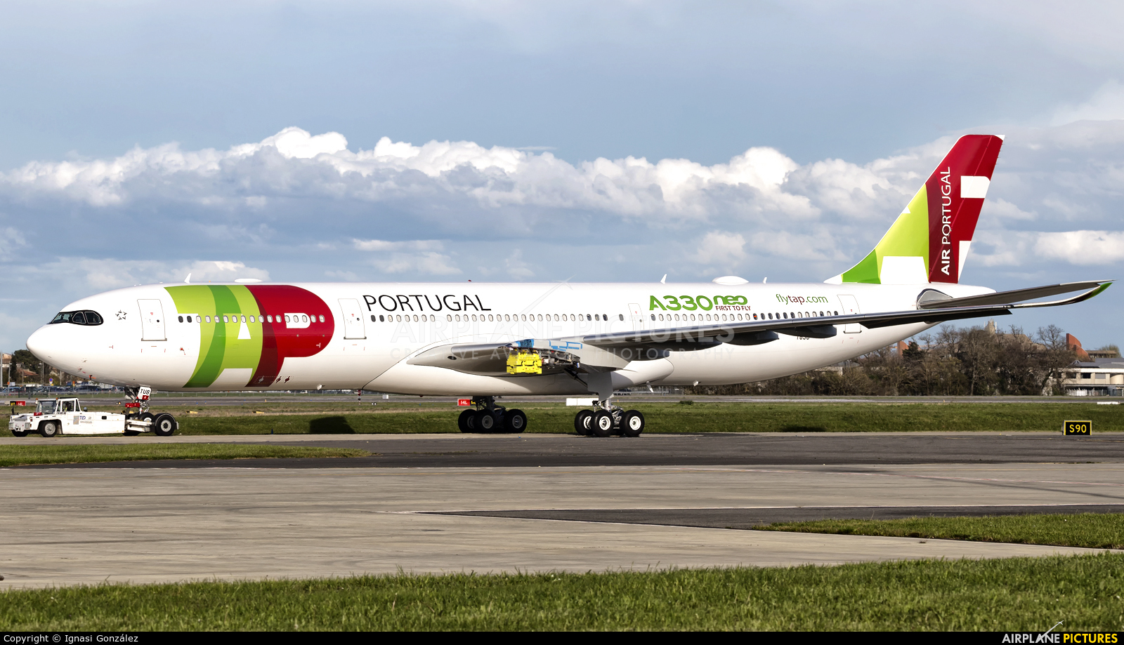 CS-TUB - TAP Portugal Airbus A330neo at Toulouse - Blagnac | Photo ...