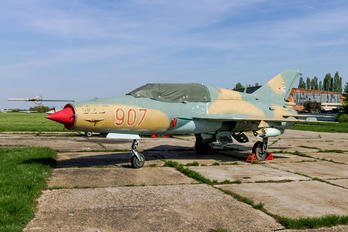 907 - Hungary - Air Force Mikoyan-Gurevich MiG-21UM