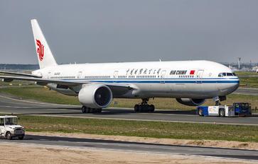 B-2033 - Air China Boeing 777-300ER