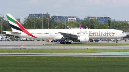A6-ENC - Emirates Airlines Boeing 777-300ER