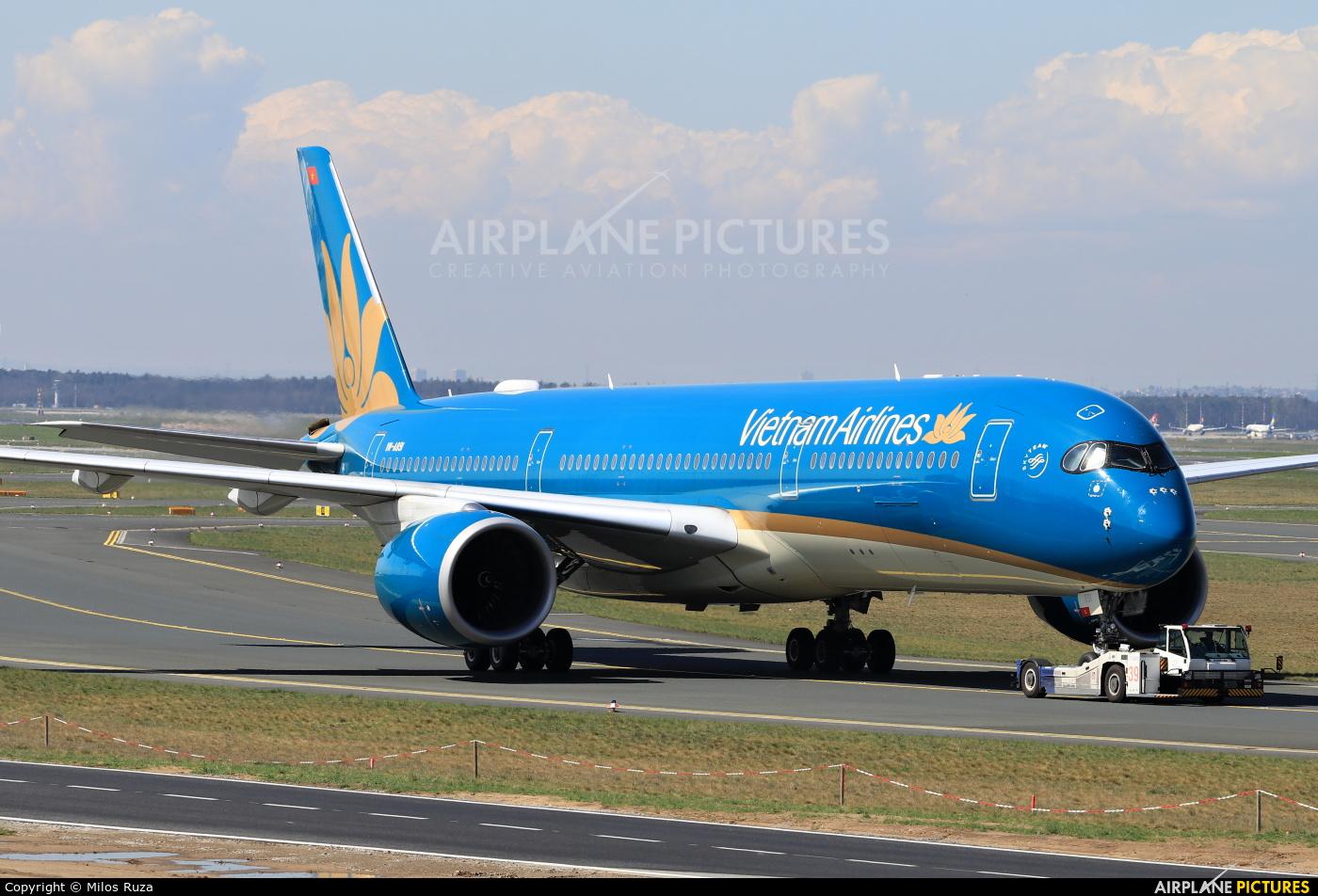 Vietnam Airlines VN-A891 aircraft at Frankfurt