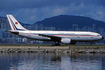 B-190 - China Airlines Airbus A300