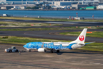 JA05RK - JAL - Japan Transocean Air Boeing 737-800