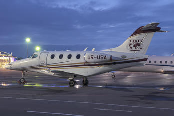 UR-USA - Business Jet Travel Raytheon 390 Premier