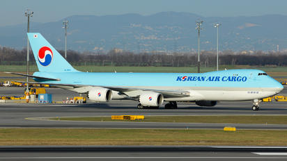 HL7609 - Korean Air Cargo Boeing 747-8F