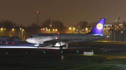D-AILX - Lufthansa Airbus A319