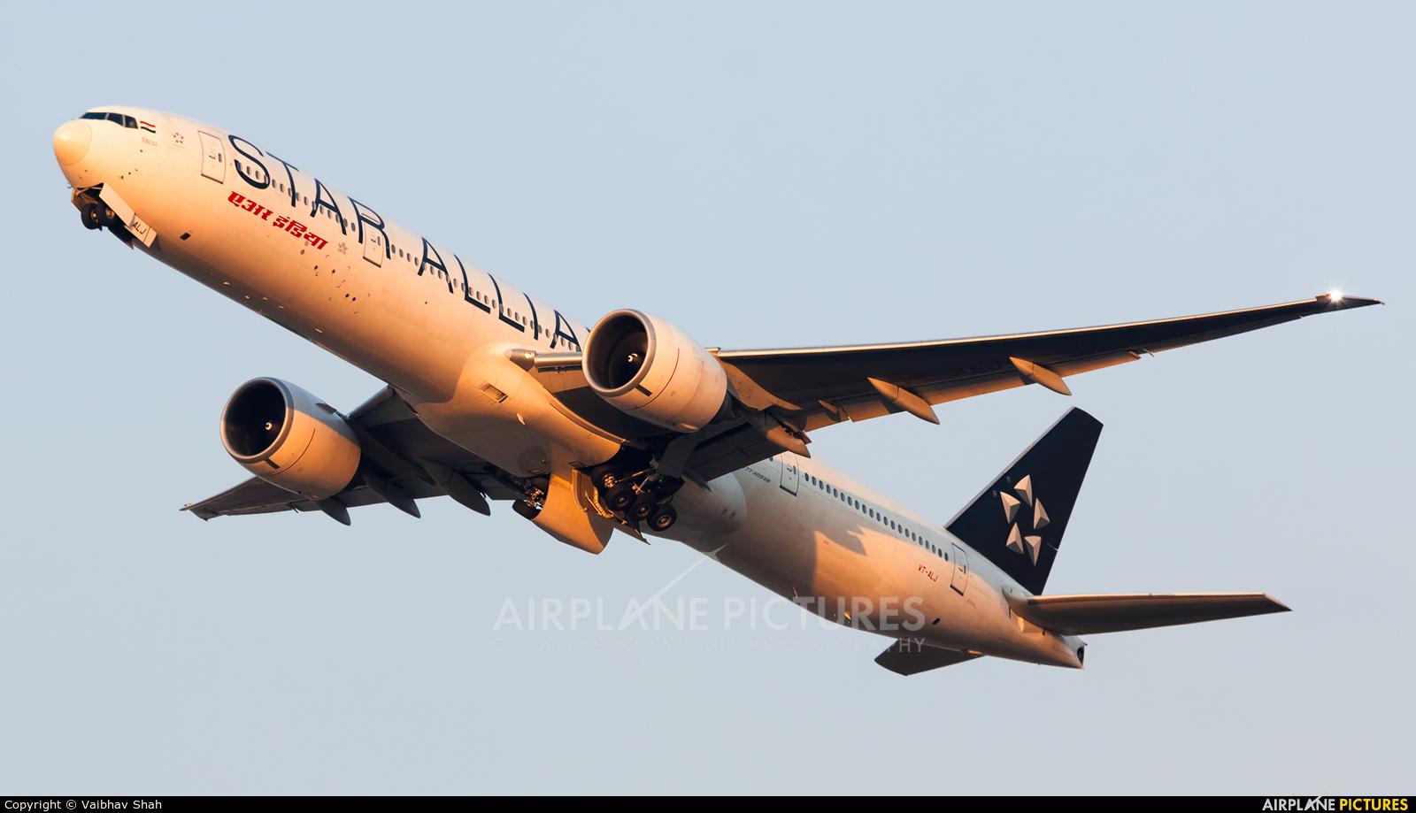 Air India VT-ALJ aircraft at Mumbai - Chhatrapati Shivaji Intl