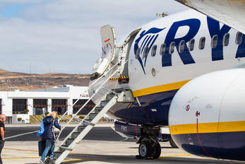 EI-FRT - Ryanair Boeing 737-8AS