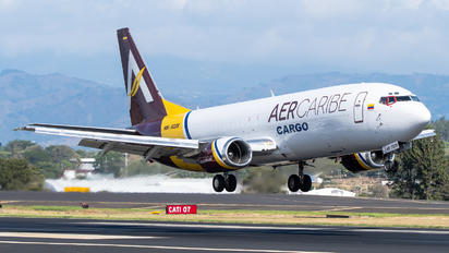 HK-5228 - Aer Caribe Boeing 737-400SF