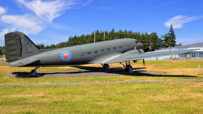 EZ671 - Canada - Air Force Douglas DC-3