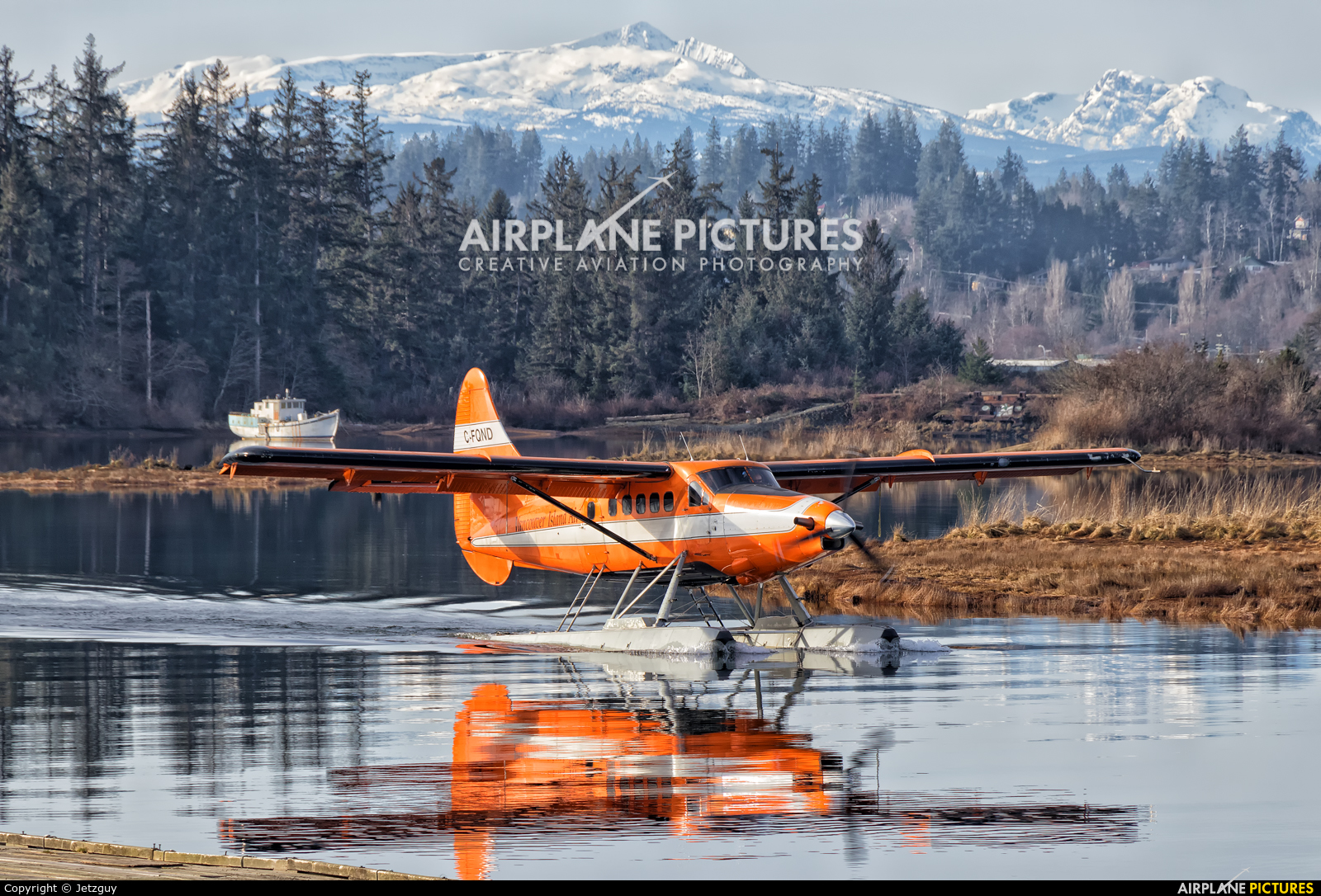 Vancouver Island Air C-FQND aircraft at Campbell River Seaplane Base