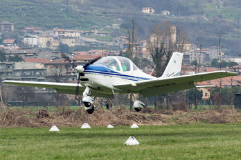 I-8233 - Private Tecnam P2002