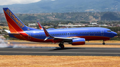 N267WN - Southwest Airlines Boeing 737-700