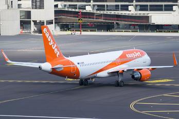 G-EZPE - easyJet Airbus A320