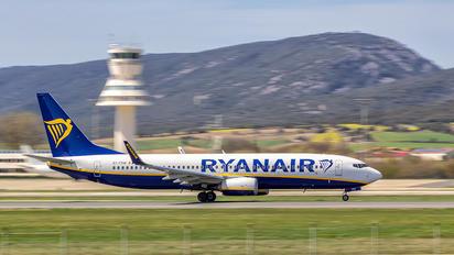 EI-FRW - Ryanair Boeing 737-800