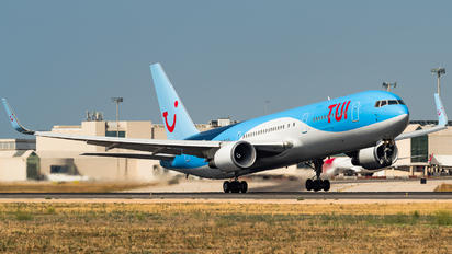 G-OBYE - TUI Airways Boeing 767-300ER