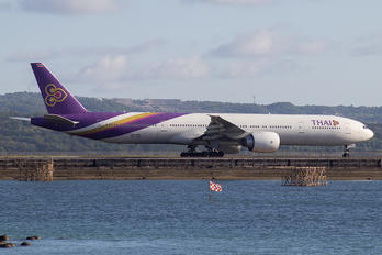 HS-TKQ - Thai Airways Boeing 777-300ER