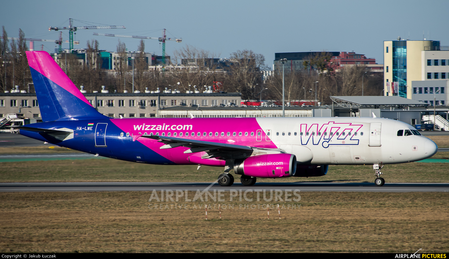 Wizz Air HA-LWE aircraft at Warsaw - Frederic Chopin